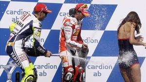 El Mundial de MotoGP fa una defensa aferrissada de les hostesses