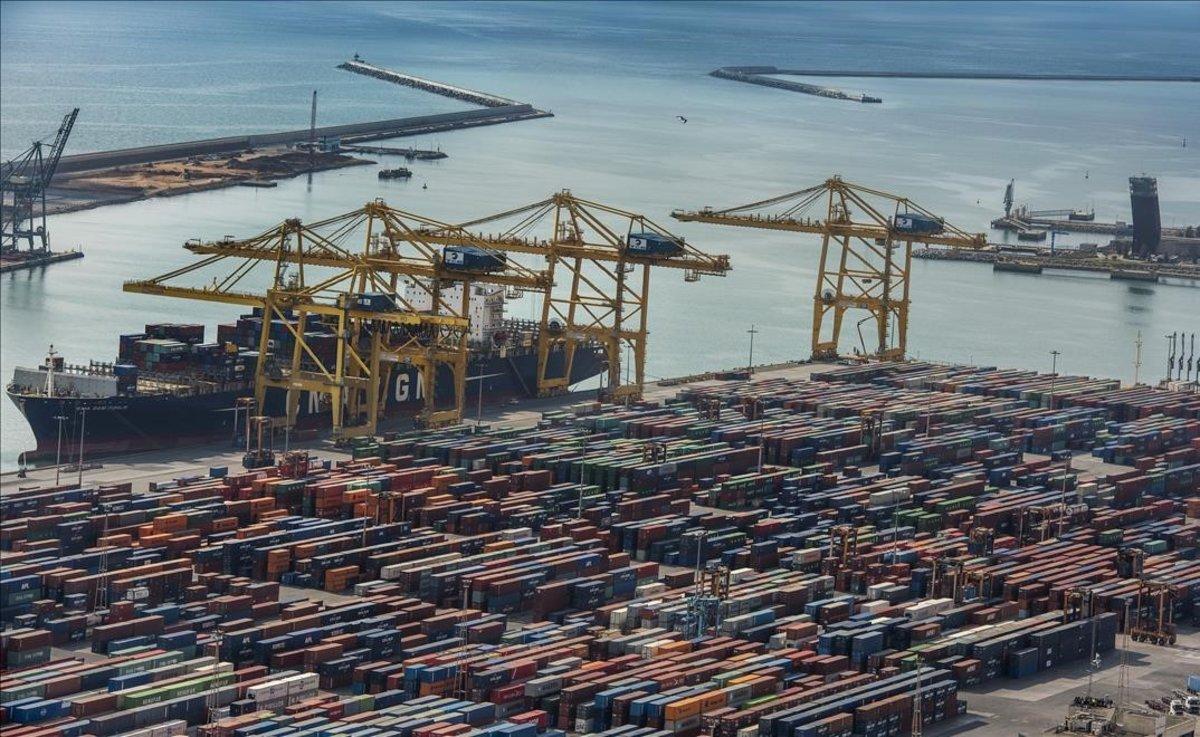 El tràfic de contenidors al Port de Barcelona creix el 2,8% fins al juliol