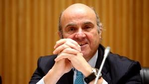 Guindos presumeix d'haver evitat la sortida d'Espanya de l'euro