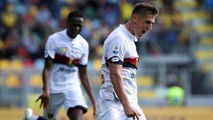 Krzysztof Piatek celebra uno de sus dos goles al Frosinone, en la jornada del 30 de septiembre.