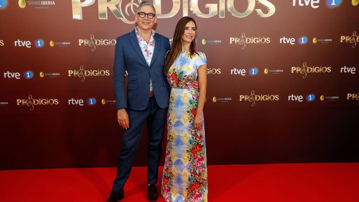 Boris Izaguirre y Paula Prendes, en la presentación del concurso musical de TVE'Prodigios'.