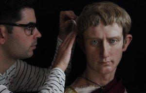 El malagueny que ressuscita els emperadors romans