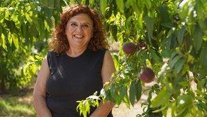 Maria Rovira, en los campos frutales de La Fortesa.