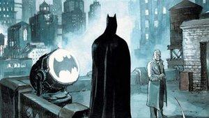 Batman y su señal, en una viñeta del cómic de Enrico Marini, publicado por ECC Ediciones.