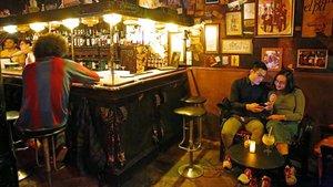 Bars per magrejar-se a Barcelona