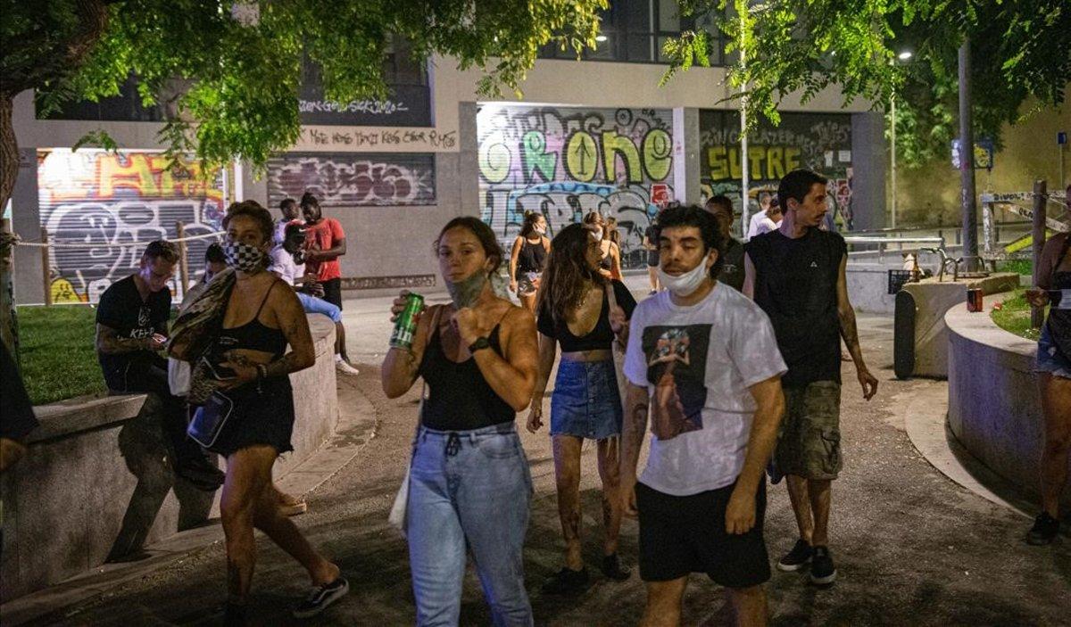 Ambiente nocturno en Barcelona, en una noche de agosto.