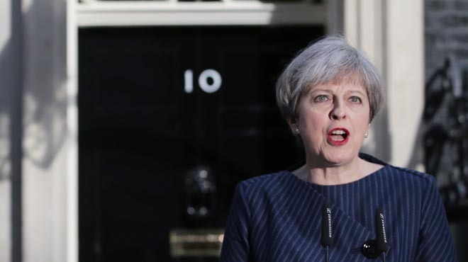 Theresa May anuncia que el seu govern convocarà eleccions anticipades per al 8 de juny