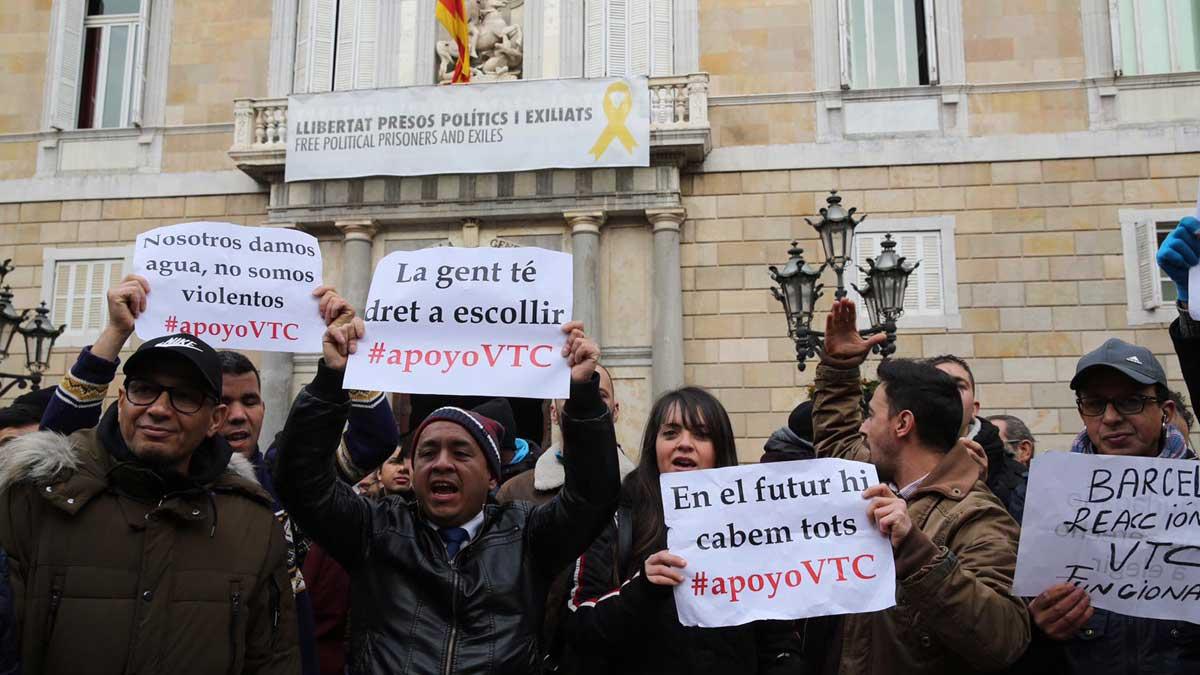 Huelga de taxis en Madrid y conflicto con VTC en Barcelona  e2c7781fa52