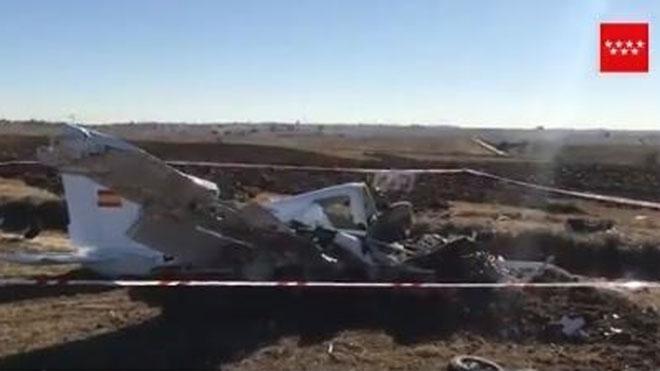 Dos morts al caure una avioneta a Madrid