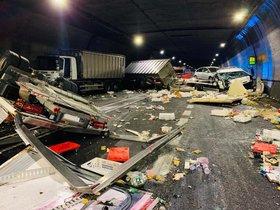 Accidente múltiple en el interior del túnel de Bracons.