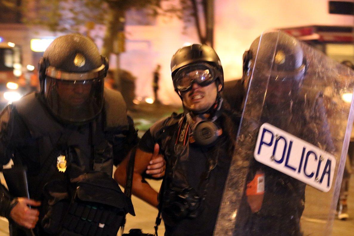 Albert Garcia, detenido durante los disturbios en la Via Laietana.