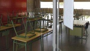 Un aula vacía de uninstituto por culpa del coronavirus.