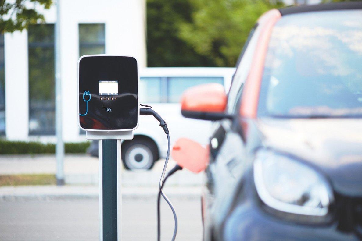 Las búsquedas sobre el coche eléctricotras el confinamiento han aumentado el 88%.