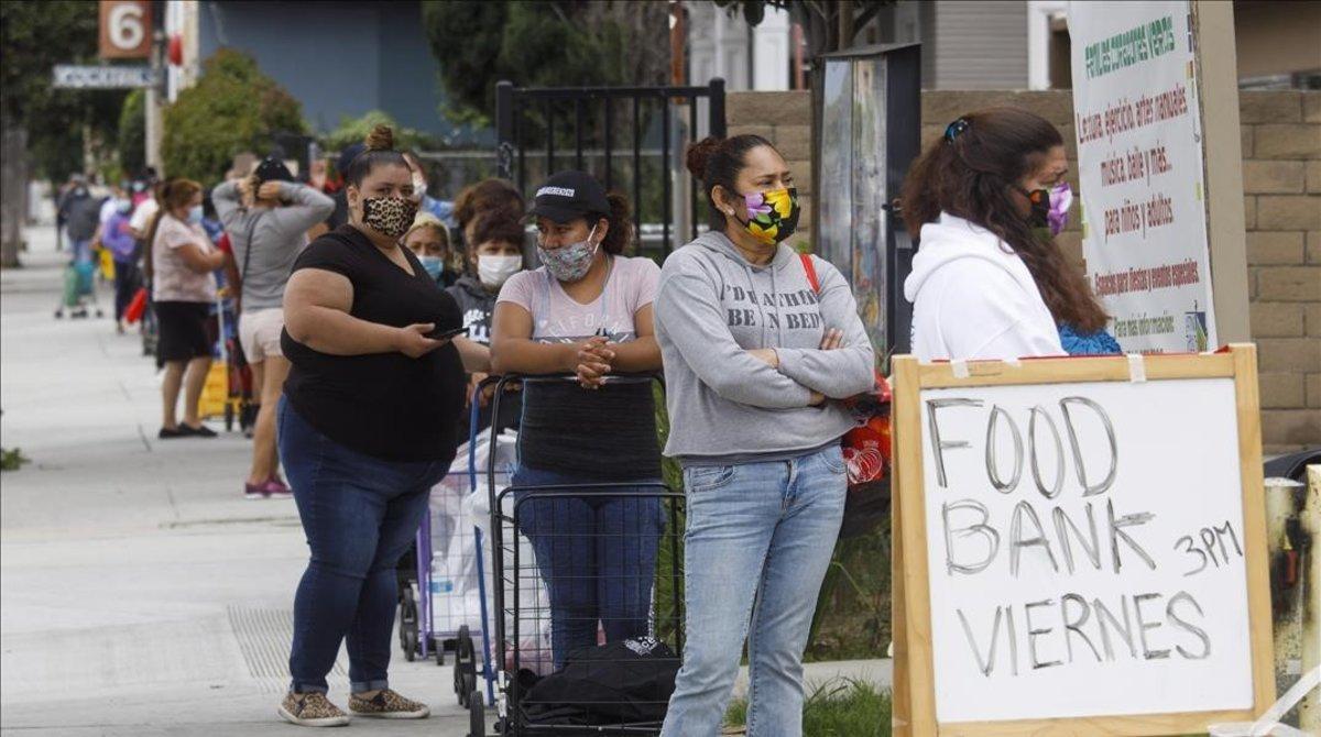 Las colas del hambre: la crisis dispara la pobreza en EEUU