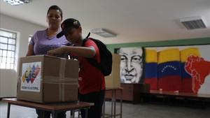 Colegio electoral en Caracas.