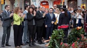 Quim Torra encabeza la ofrenda floral del Govern al monumento de Rafael Casanova.
