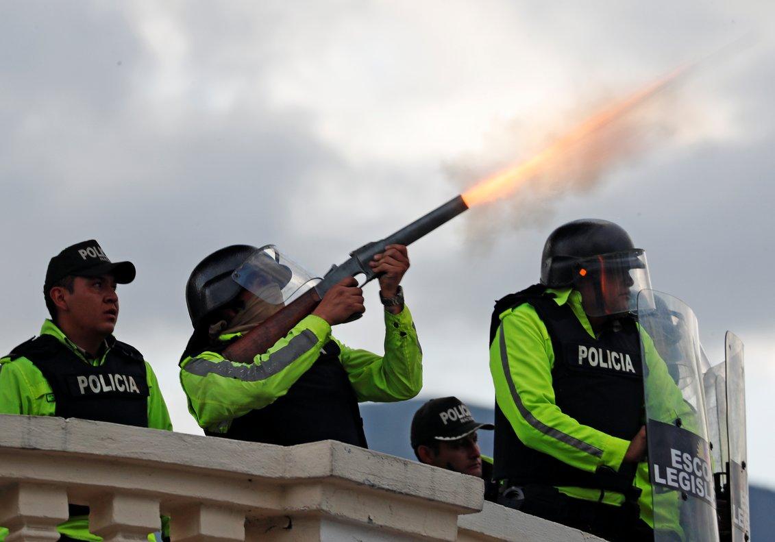 Las fuerzas de seguridad emplearon una fuerte carga contra los concentrados.