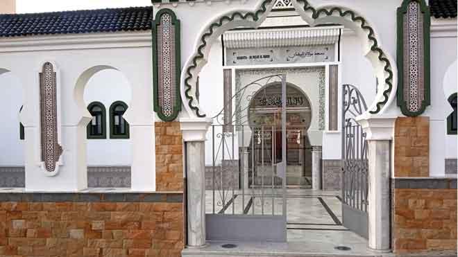 Encapuchados disparan contra una de las principales mezquitas de Ceuta.