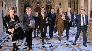 Chacón, Torra y la delegación del sector de las energías renovables, en el Palau de la Generalitat.