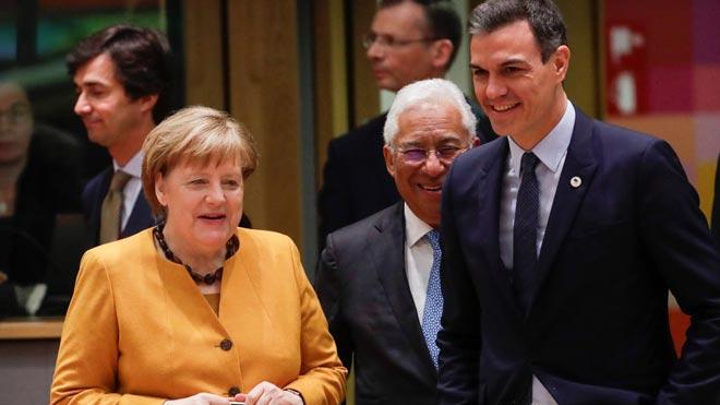 Encuentro entre Pedro Sánchez y Angela Merkel en Bruselas.