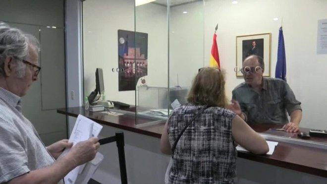 Los españoles comenzaron a emitir este miércoles su voto en Oceanía, de cara a las elecciones generales en España del 10 de noviembre, y por diferencias horarias se convirtieron en los primeros del mundo en sufragar.