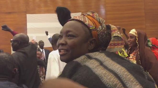 Vídeo grabado por Isabel Coixet en el tribunal de Dakar (Senegal) en que víctimas del dictador del Chad Habré celebran su condena.