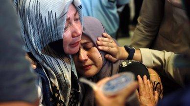 El avión indonesio accidentado pidió regresar al aeropuerto en el vuelo anterior
