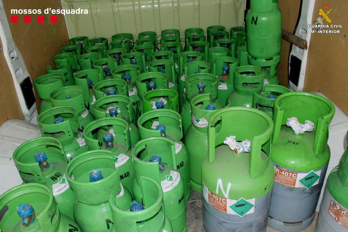 Desarticulada una organització criminal dedicada al robatori de bombones de gas freó que operava des de Sabadell i Terrassa