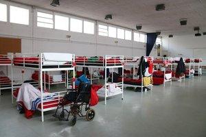 El dormitorio de un centro para personas sin hogar.