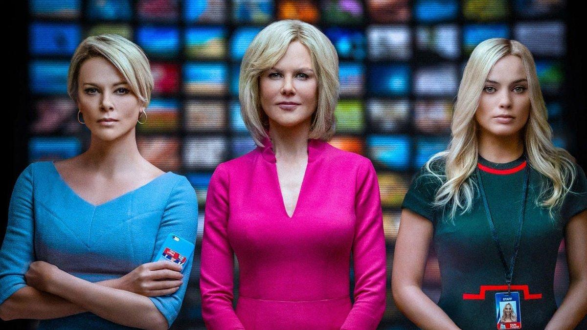 A la izquierda, Charlize Theron, Nicole Kidman y Margot Robbie, en el papel de trabajadoras de Fox News que fueron acosadas por Roger Ailes.