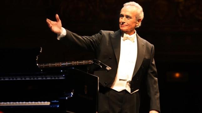 Josep Carreras, durante una actuación.