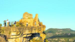 Las montañas de Prades, situadas entre las comarcas del Alt Camp, el Baix Camp, la Conca de Barberà i el Priorat