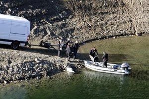 Los Mossos recrean la escena del crimen en el pantano de Susqueda, este viernes.