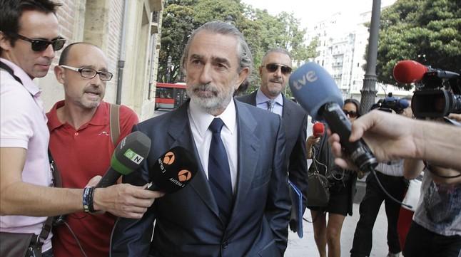 Francisco Correa se dirige a la Audiencia Nacional en el juicio por el caso Gurtel.