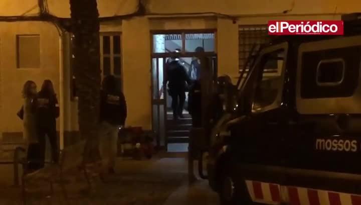 Macrorredada de los Mossos contra un clan dedicado al tráfico de drogas y armas en Sant Roc.