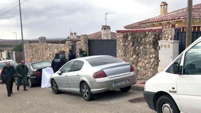 Madre e hija mueren atacadas por sus dos perros en Colmenar de Oreja (Madrid). En la foto, el chalet donde sucedieron los hechos.