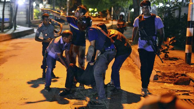 Asesinados 20 rehenes en el asalto a un restaurante frecuentado por extranjeros en Bangladés.
