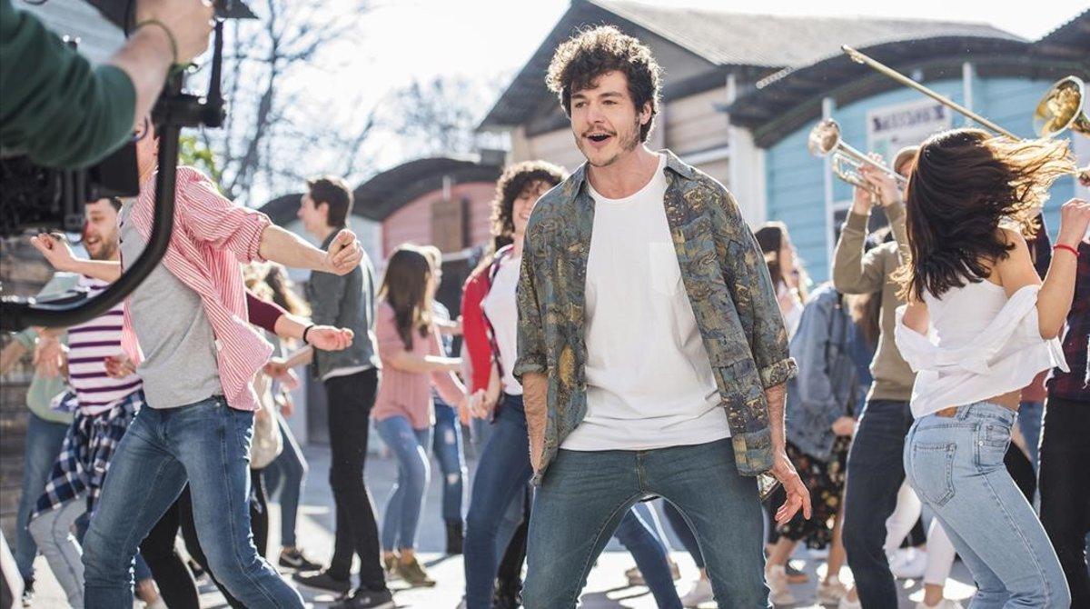 Miki graba el videoclip de 'La Venda' en Barcelona.