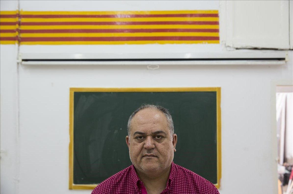 Nadim Sidiqi, que llegó a BCN hace 10 años, pagó por dos contratos de trabajo que resultaron ser falsos.