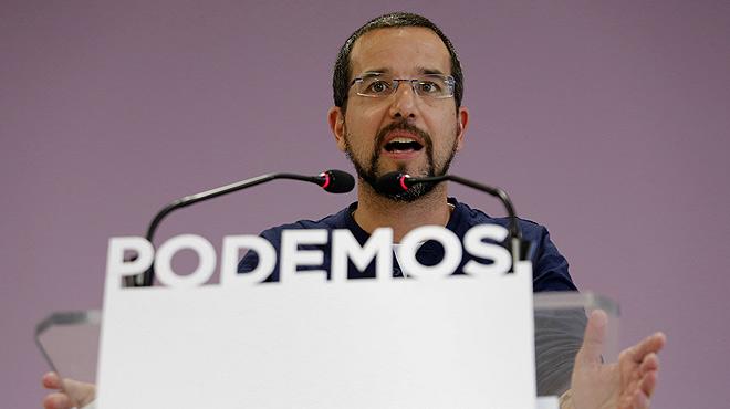 Pablo Iglesias, líder de Podemos, destituye a Sergio Pascual.