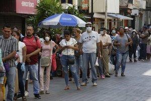 La ministra de Salud, Rosario Turner, dijo que es muy posible que en el transcurso de esta semana se anuncie la cuarentena total.