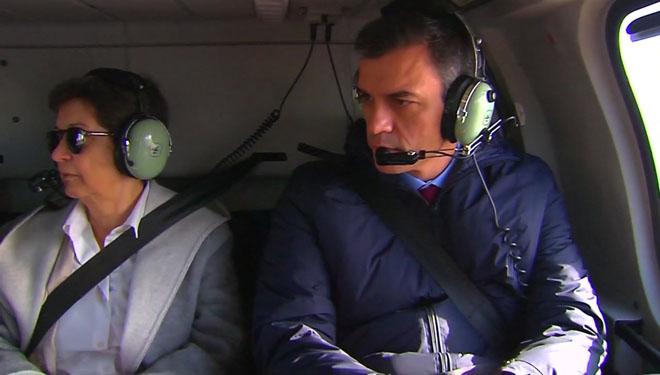 Pedro Sánchez y la delegada del Gobierno en Catalunya, Teresa Cunillera, sobrevuelan las zonas afectadas por 'Gloria'.