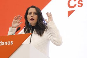 La portavoz de Ciudadanos en el Congreso, Inés Arrimadas, durante una rueda de prensa.
