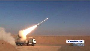 Imagen captada de la televisión iraní que muestra el lanzamiento del misil Hoveize.