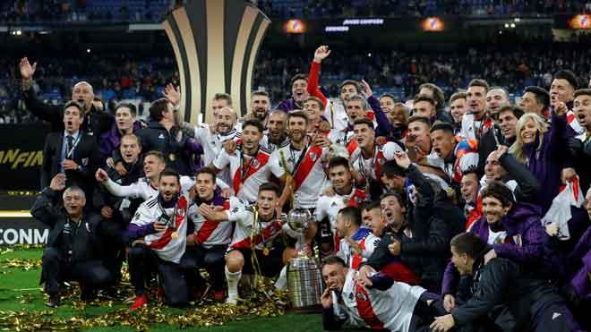 River se lleva la Copa Libertadores en el Bernabéu.