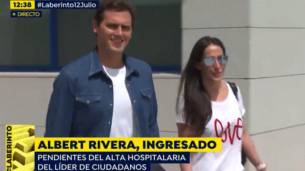 'Espejo público' recoge en directo la salida del hospital de Albert Rivera acompañado de Malú