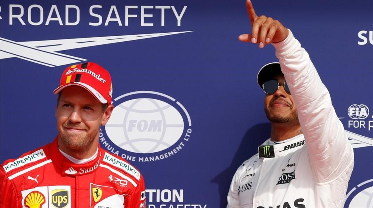 Vettel celebra la renovació i Hamilton un rècord mític