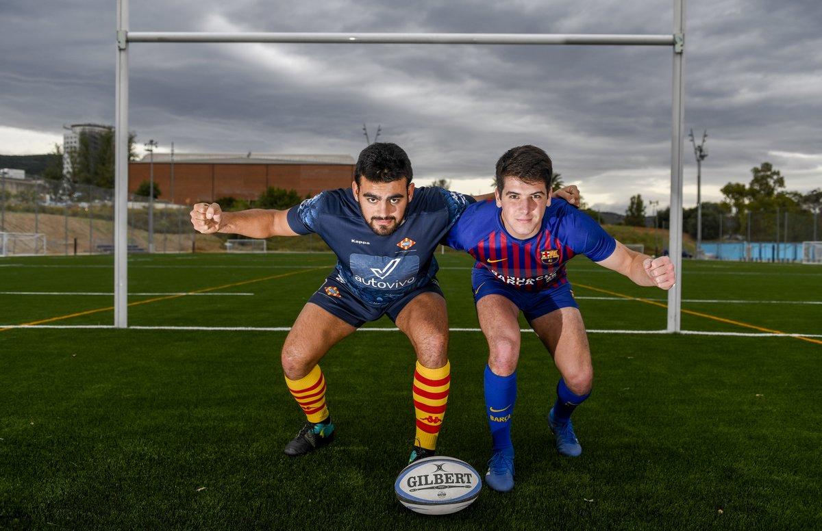 Oriol Pujol (a la izquierda), de la Santboiana y Pablo Ruiz, del Barça, en La Teixonera donde este sábado se juega el derbi de rugby.