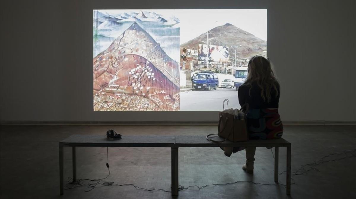 Salade la exposición Empatía, que recorre en la Fundació Tàpies la obra de Harun Farocki.