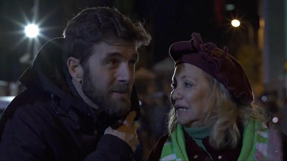 Votants de Vox interrompen a crits una entrevista de Gonzo a 'Salvados': «¡Manipuladors!»